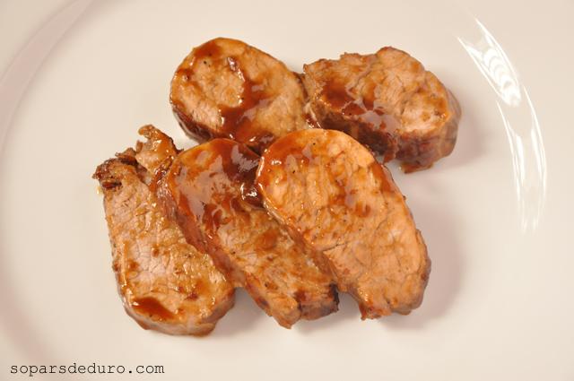 Llaminera de porc amb mel i cervesa. Sopars de duro.